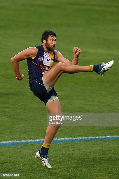 Josh Kennedy of the Eagles kicks on goal during the round eight AFL match between the West Coast Eagles and the Greater Western Sydney Giants at...