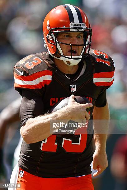 Josh McCown of the Cleveland Browns scrambles against the New York Jets during the game at MetLife Stadium on September 13 2015 in East Rutherford...