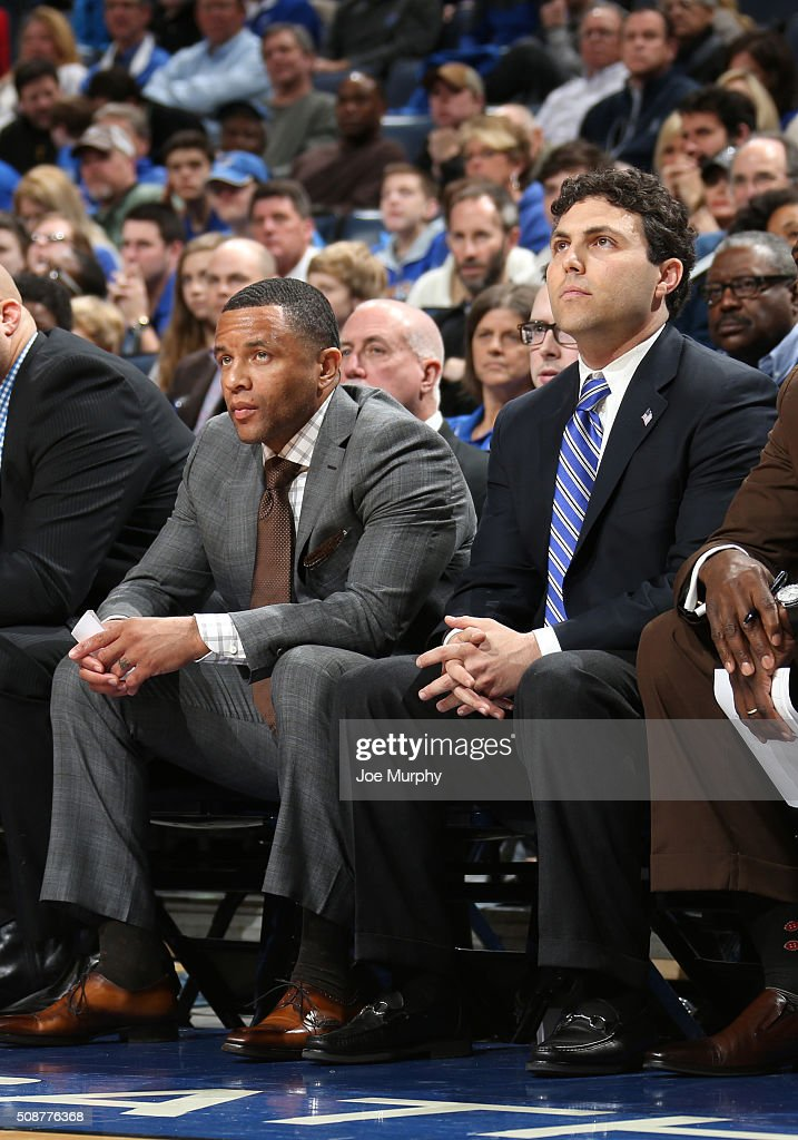Josh Pastner, head coach of the Memphis Tigers and Damon Stoudamire, assistant coach of the Memphis Tigers look on from the bench against the Cincinnati Bearcats on February 6, 2016 at FedExForum in Memphis. Memphis defeated Cincinnati 63-59.