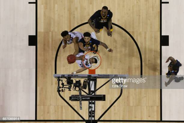 Josh Perkins of the Gonzaga Bulldogs shoots against the West Virginia Mountaineers during the 2017 NCAA Men's Basketball Tournament West Regional at...