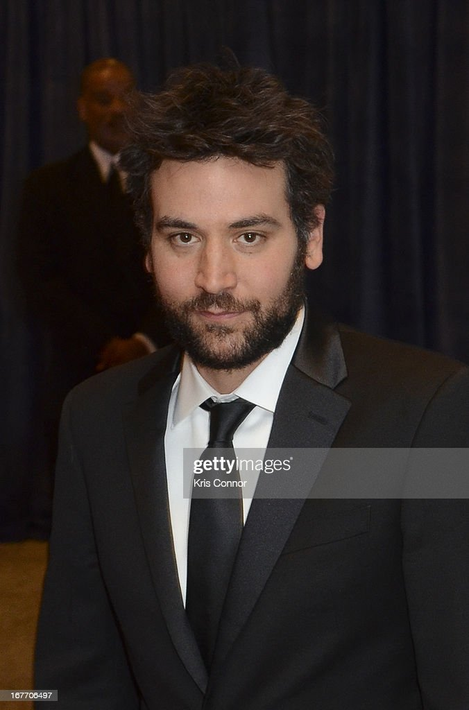 <a gi-track='captionPersonalityLinkClicked' href=/galleries/search?phrase=Josh+Radnor&family=editorial&specificpeople=599413 ng-click='$event.stopPropagation()'>Josh Radnor</a> poses on the red carpet during the White House Correspondents' Association Dinner at the Washington Hilton on April 27, 2013 in Washington, DC.