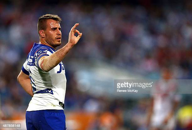 Josh Reynolds of the Bulldogs signals to his team during the NRL Elimination Final match between the Canterbury Bulldogs and the St George Illawarra...