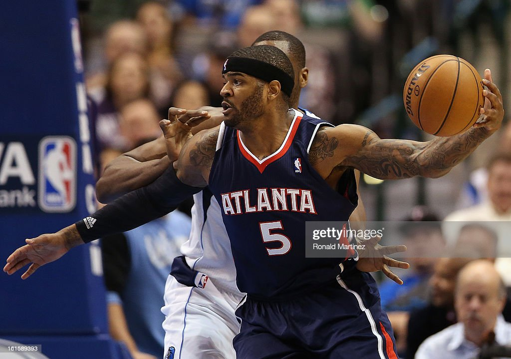 Josh Smith #5 of the Atlanta Hawks at American Airlines Center on February 11, 2013 in Dallas, Texas.