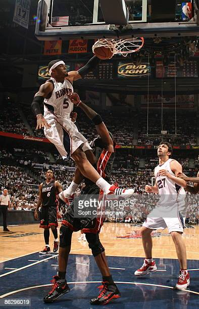 Josh Smith of the Atlanta Hawks dunks against the Miami Heat in Game Five of the Eastern Conference Quarterfinals during the 2009 NBA Playoffs at...