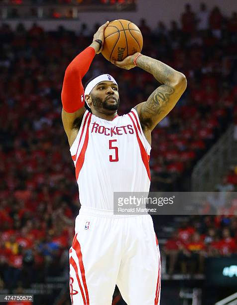 Josh Smith of the Houston Rockets shoots against the Golden State Warriors in the second quarter during Game Four of the Western Conference Finals of...