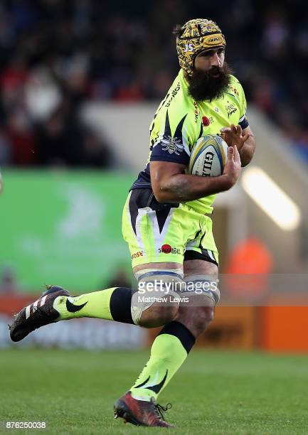 Josh Strauss of Sale Sharks in action during the Aviva Premiership match between Leicester Tigers and Sale Sharks at Welford Road on November 19 2017...