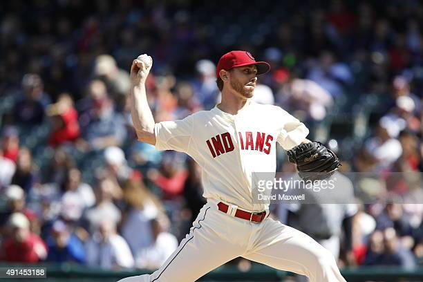 Josh Tomlin of the Cleveland Indians pitches against the Chicago White Sox during the first inning of their game on September 20 2015 at Progressive...