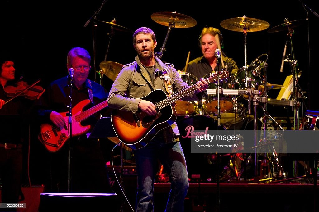 <a gi-track='captionPersonalityLinkClicked' href=/galleries/search?phrase=Josh+Turner&family=editorial&specificpeople=571975 ng-click='$event.stopPropagation()'>Josh Turner</a> performs during Playin' Possum! The Final No Show Tribute To George Jones at Bridgestone Arena on November 22, 2013 in Nashville, Tennessee.