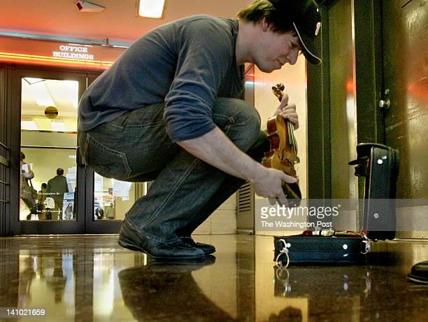 Joshua Bell playing at L'Enfant Plaza Metro in Washington DC in 2007