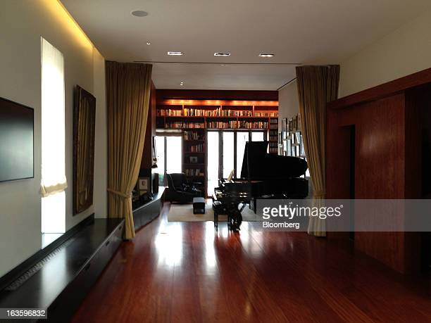 Joshua Bell's studio is shown in New York US on Wednesday Feb 13 2013 He gutted the Flatiron space designing the interior to create a private concert...