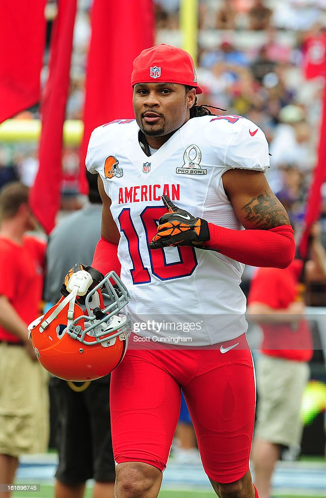 Joshua Cribbs #16 of the Cleveland Browns and the AFC is introduced before the 2013 Pro Bowl against the National Football Conference team at Aloha Stadium on January 27, 2013 in Honolulu, Hawaii