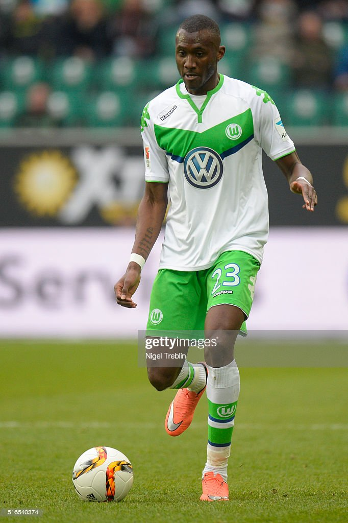Joshua Guilavogui of Wolfsburg controls the ball during the Bundesliga match between VfL Wolfsburg and Hertha BSC Berlin at Volkswagen Arena on March 19, 2016 in Wolfsburg, Germany.