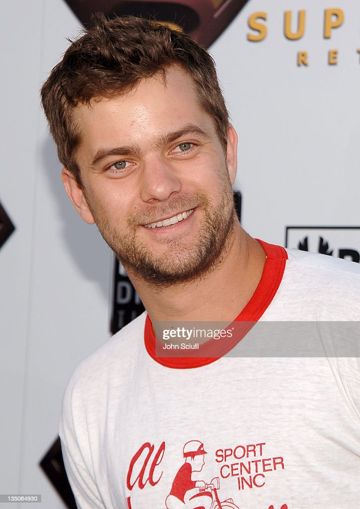 Joshua Jackson during 'Superman Returns' World Premiere Sponsored By Belstaff at Mann Village and Bruin Theaters in Westwood California United States