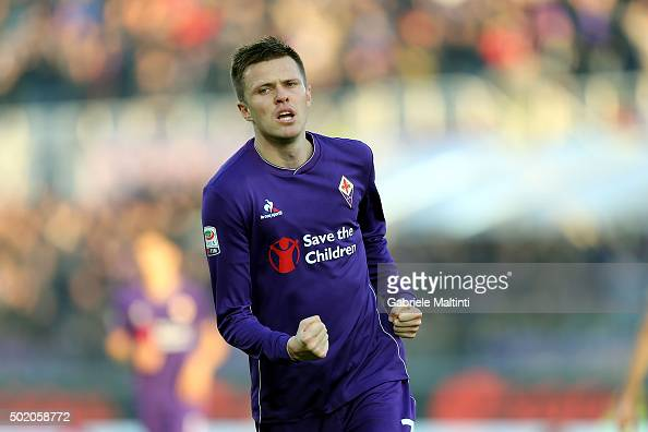 Josip Ilicic of ACF Fiorentina celebrates after scoring a goal during the Serie A match between ACF Fiorentina and AC Chievo Verona at Stadio Artemio...