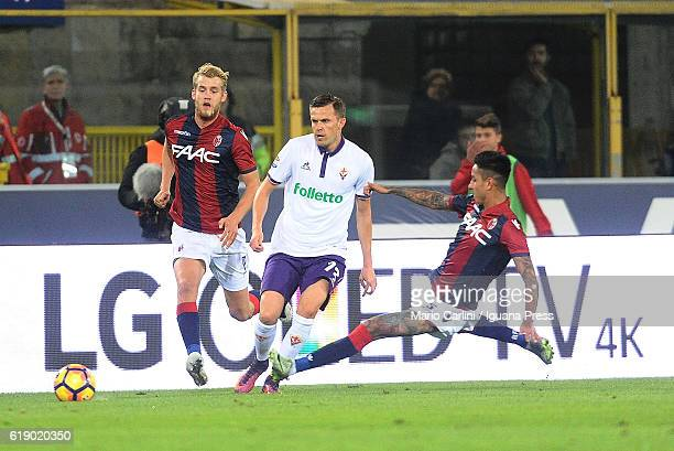 Josip Ilicic of ACF Fiorentina in action during the Serie A match betweenBologna FC and ACF Fiorentina at Stadio Renato Dall'Ara on October 29 2016...