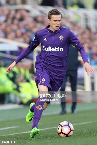 Josip Ilicic of ACF Fiorentina in action during the Serie A match between ACF Fiorentina and Cagliari Calcio at Stadio Artemio Franchi on March 12...