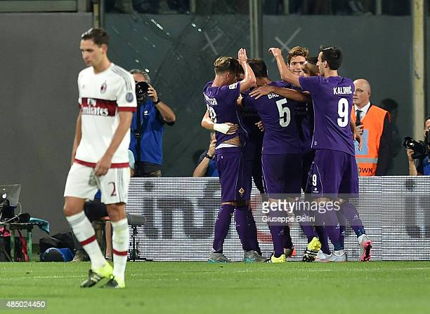 Josip Ilicic of Fiorentina celebrates with teammates after scoring the goal 20 during the Serie A match between ACF Fiorentina and AC Milan at Stadio...