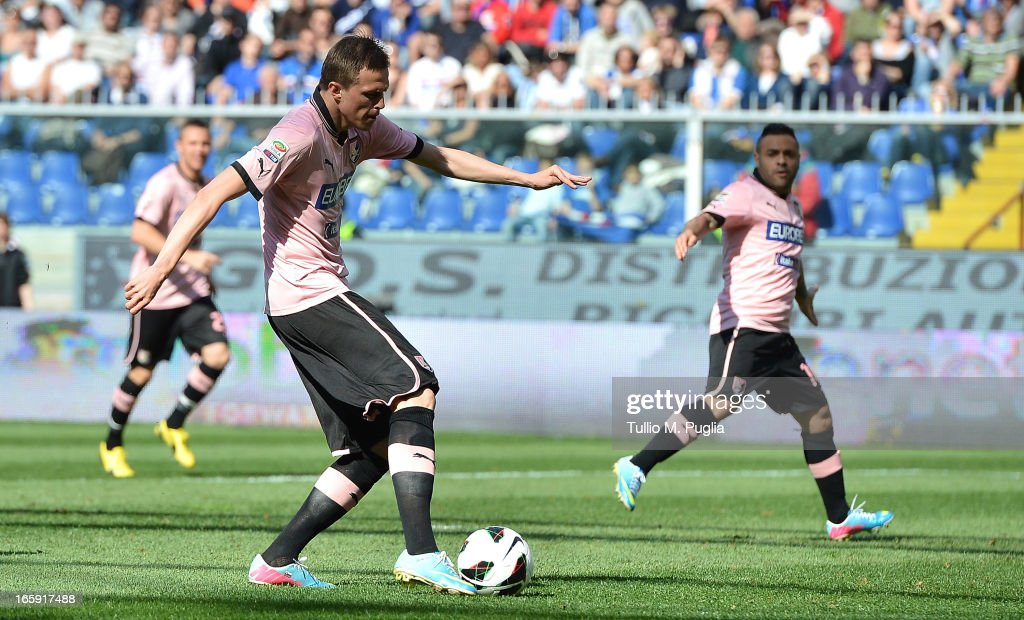 <a gi-track='captionPersonalityLinkClicked' href=/galleries/search?phrase=Josip+Ilicic&family=editorial&specificpeople=7151628 ng-click='$event.stopPropagation()'>Josip Ilicic</a> of Palermo scores his team's second goal during the Serie A match between UC Sampdoria and US Citta di Palermo at Stadio Luigi Ferraris on April 7, 2013 in Genoa, Italy.