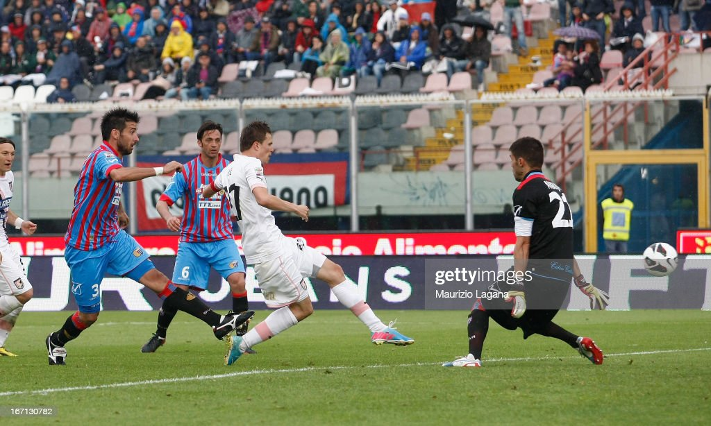 Josip Ilicic of Palermo scores the equalizing goal during the Serie A match between Calcio Catania and US Citta di Palermo at Stadio Angelo Massimino...