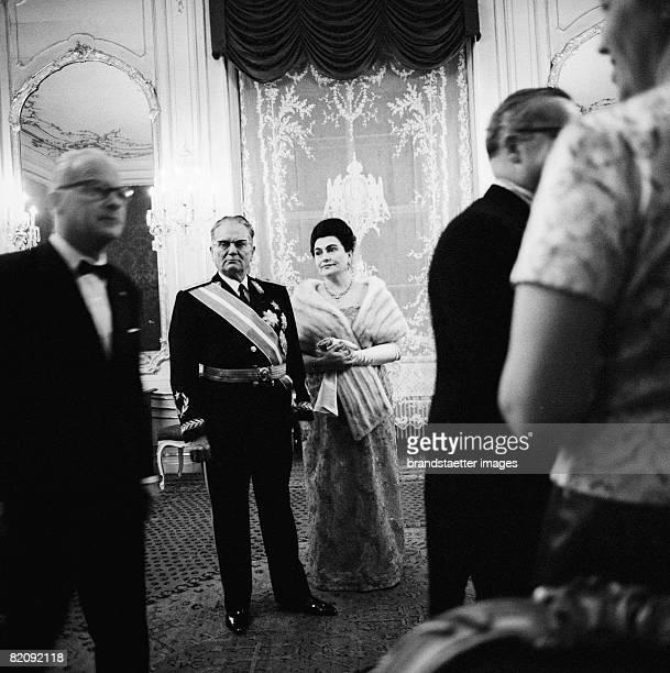 Josip Tito Yugoslavian President and his wife on state visit Photography 1967 [Josip Tito jugoslawischer Staatsprsident und seine Ehegattin bei einem...