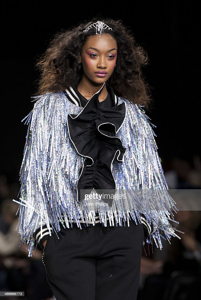 <a gi-track='captionPersonalityLinkClicked' href=/galleries/search?phrase=Jourdan+Dunn&family=editorial&specificpeople=4347612 ng-click='$event.stopPropagation()'>Jourdan Dunn</a> walks the runway at the Ashish show at London Fashion Week AW14 at Tate Modern on February 17, 2014 in London, England.