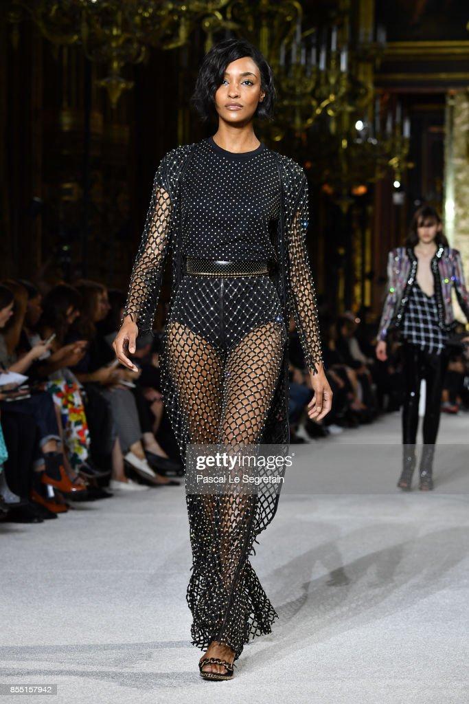 Jourdan Dunn walks the runway during the Balmain show as part of the Paris Fashion Week Womenswear Spring/Summer 2018 on September 28, 2017 in Paris, France.