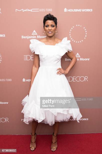 Journalist and honoree Tamron Hall attends the Housing Works Ground Breaker Awards Dinner at Metropolitan Pavilion on April 26 2017 in New York City