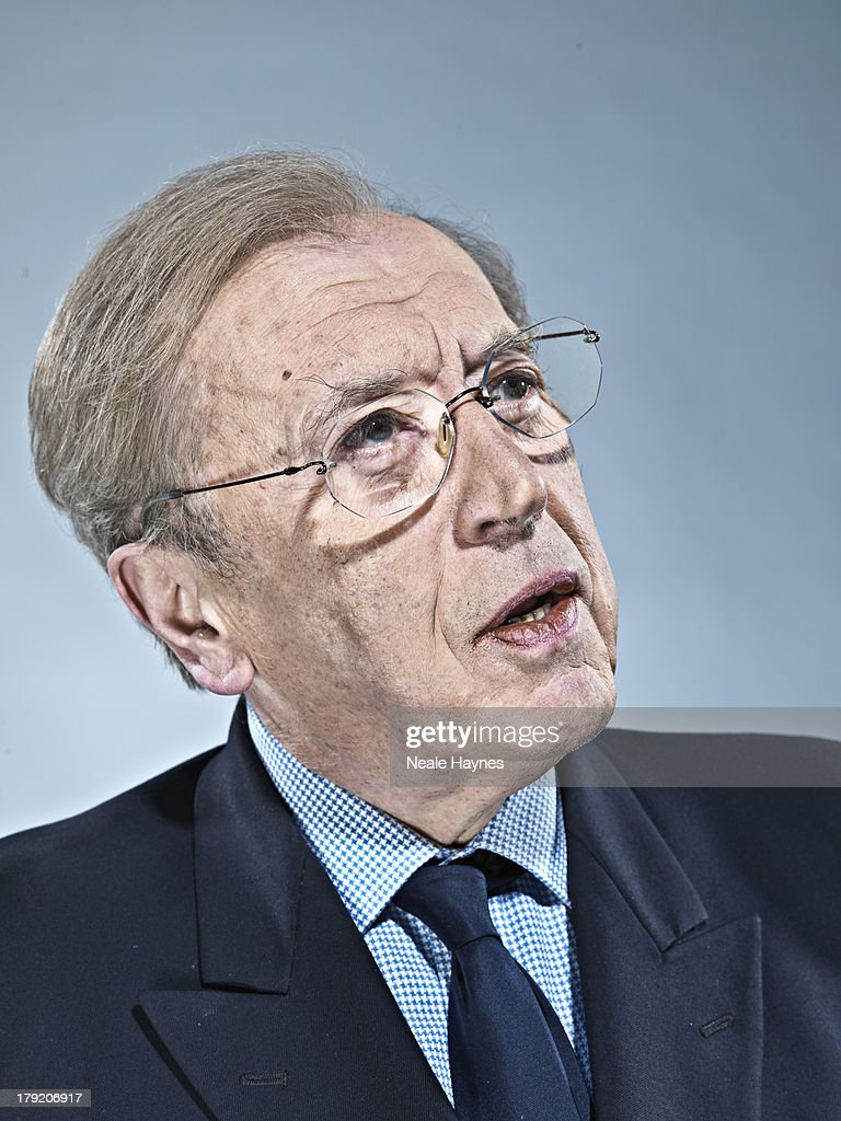 Journalist and tv presenter Sir <b>David Frost</b> is photographed on April 10, <b>...</b> - journalist-and-tv-presenter-sir-david-frost-is-photographed-on-april-picture-id179206917