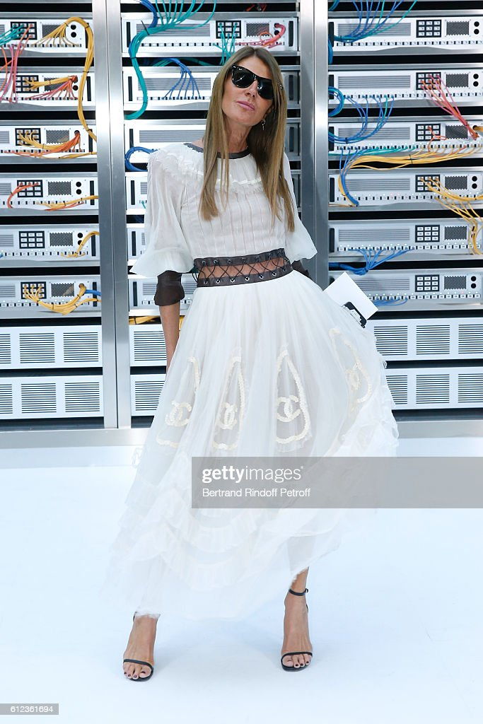 journalist-anna-dello-russo-attends-the-chanel-show-as-part-of-the-picture-id612361694