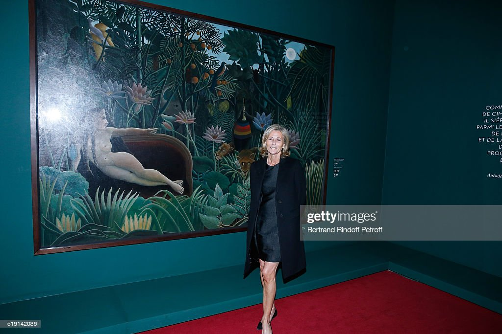 Journalist Claire Chazal attends the 'Societe des Amis du Musee D'Orsay' : Dinner and Private tour of the Exhibition 'Le Douanier Rousseau - L'innocence archaique'. Held at Musee d'Orsay on April 4, 2016 in Paris, France.