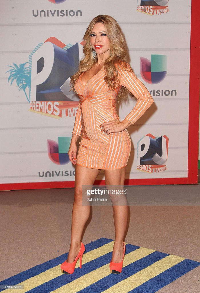 Journalist Claudia Molina attends the Premios Juventud 2013 at Bank United Center on July 18, 2013 in Miami, Florida.