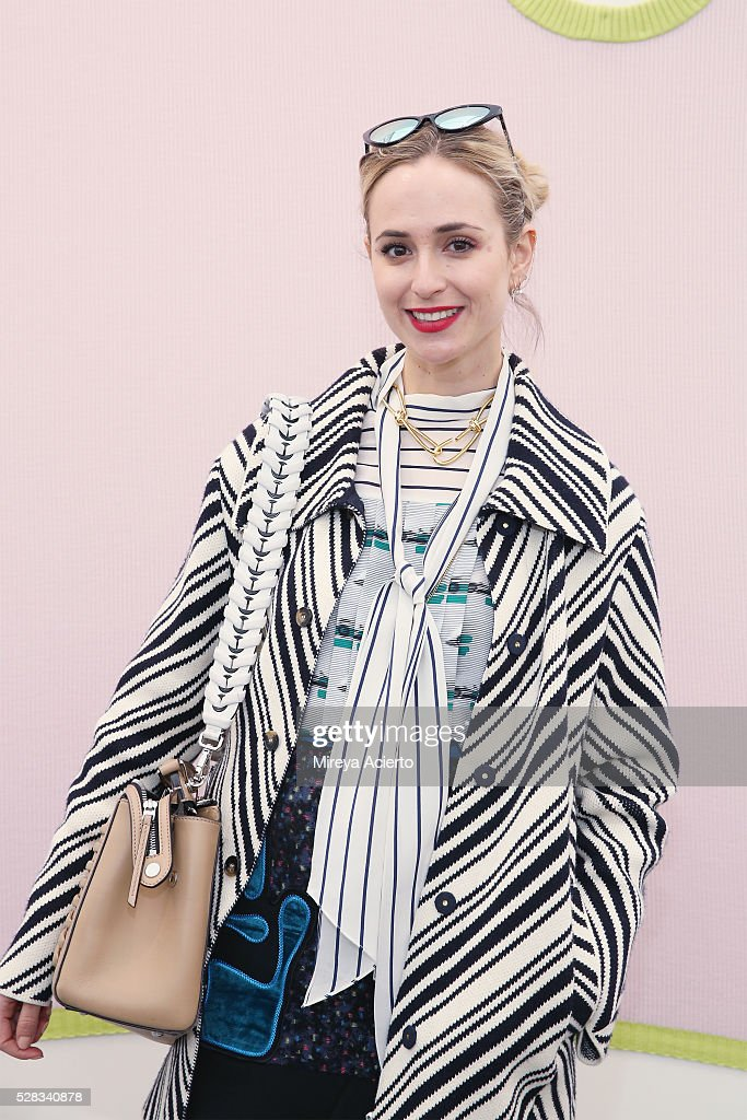 Journalist Elisabeth von Thurn und Taxis attends the 2016 Frieze Art Fair: New York at Randall's Island on May 4, 2016 in New York City.