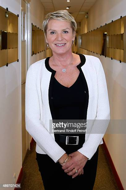Journalist Elise Lucet presents the TV News 'Cash investigation' during the 'Vivement Dimanche' French TV Show at Pavillon Gabriel on September 23...
