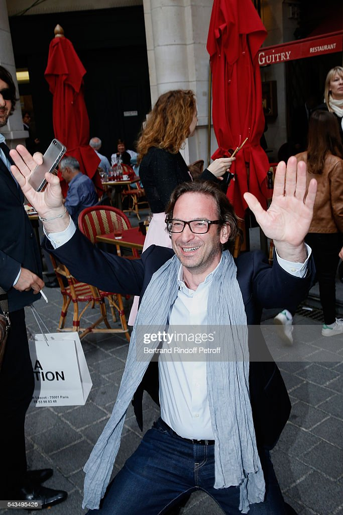 Journalist Francois Busnel attends 'Du vent dans les branches de Sassafras' Theater Play Live on France 2 TV Chanel. Held at Theatre Edouard VII on June 28, 2016 in Paris, France.