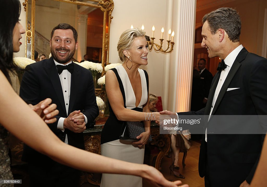 Journalist Megyn Kelly, center, and actor Tony Goldwyn, right, attend the Bloomberg Vanity Fair White House Correspondents' Association (WHCA) dinner afterparty in Washington, D.C., U.S., on Saturday, April 30, 2016. The 102nd WHCA raises money for scholarships and honors the recipients of the organization's journalism awards. Photographer: Andrew Harrer/Bloomberg via Getty Images
