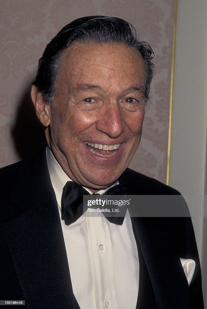 Journalist Mike Wallace attends American Museum of the Moving Image Gala Honoring Sherry Lansing and Roone Arledge on October 24, 1995 at the St. Regis Hotel in New York City.