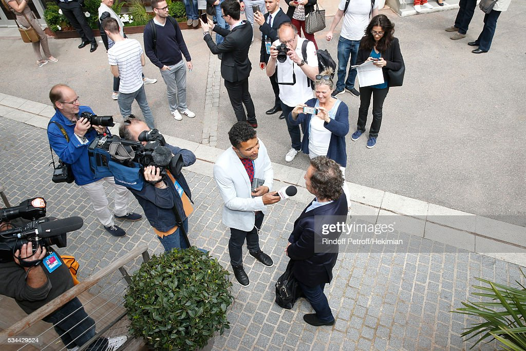 Journalist Stephane Bern answering to journalists attends the 2016 French Tennis Open - Day Five at Roland Garros