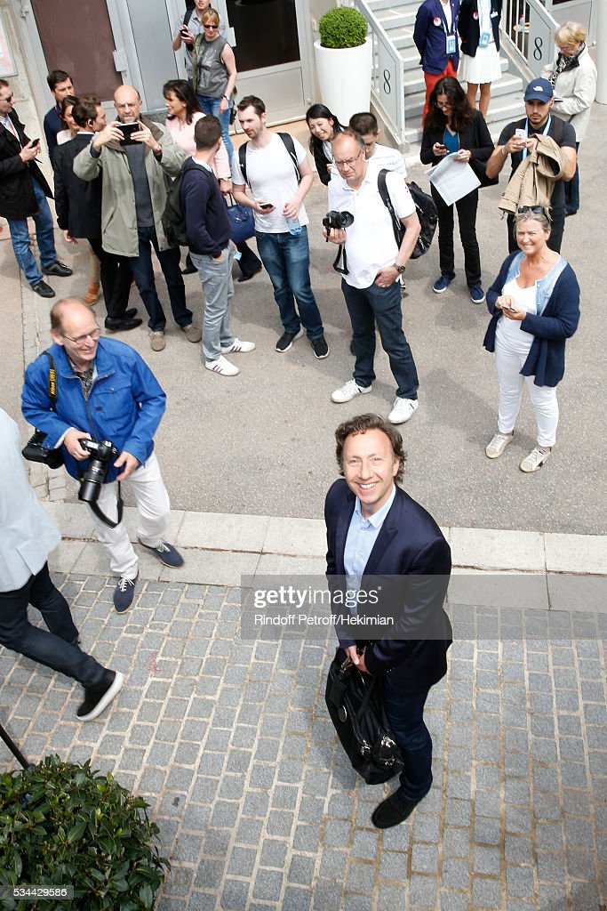 Journalist <a gi-track='captionPersonalityLinkClicked' href=/galleries/search?phrase=Stephane+Bern&family=editorial&specificpeople=2143398 ng-click='$event.stopPropagation()'>Stephane Bern</a> attends the 2016 French Tennis Open - Day Five at Roland Garros