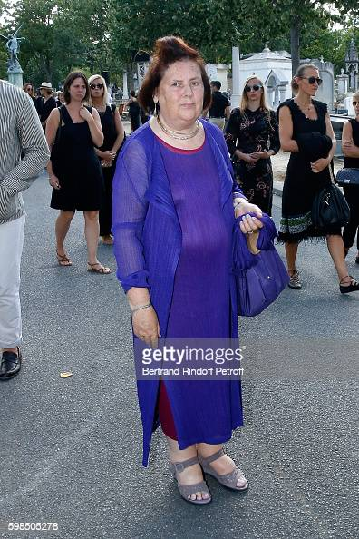 Journalist Suzy Menkes attends the Designer Sonia Rykiel's Funerals at Cimetiere du Montparnasse on September 1 2016 in Paris France