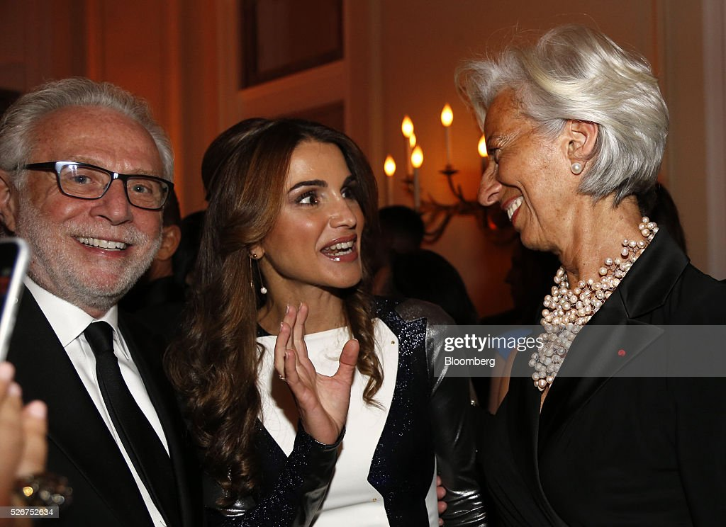 Journalist Wolf Blitzter, from left, Queen Rania Al-Abdullah of Jordan, and Christine Lagarde, managing director of the International Monetary Fund (IMF), attend the Bloomberg Vanity Fair White House Correspondents' Association (WHCA) dinner afterparty in Washington, D.C., U.S., on Saturday, April 30, 2016. The 102nd WHCA raises money for scholarships and honors the recipients of the organization's journalism awards. Photographer: Andrew Harrer/Bloomberg via Getty Images