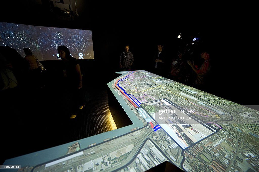 Journalists are shown a virtual tour of the city organized by the Rio 2016 Committee on November 19, 2012 in Rio De Janeiro, Brazil. AFP PHOTO/ANTONIO SCORZA