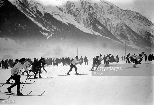 Journey of skiers alpine officers Chamonix on 1909 BRA43640