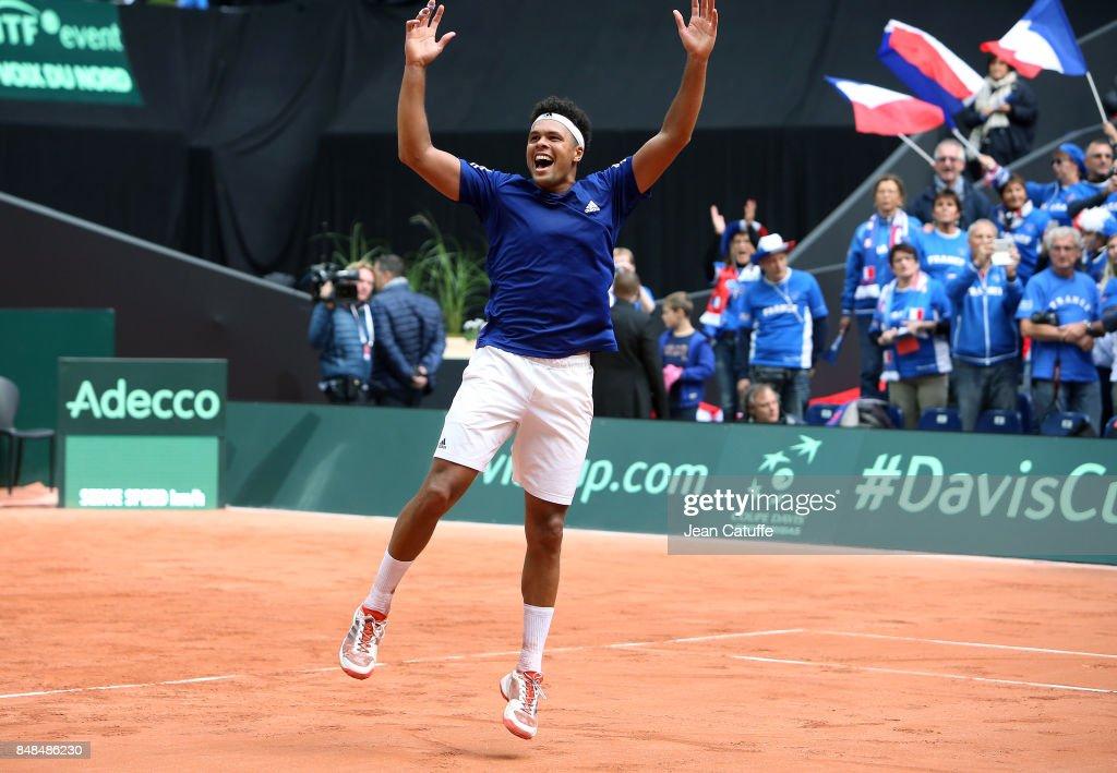 France v Serbia - Davis Cup World Group Semi Final: Day Three : News Photo