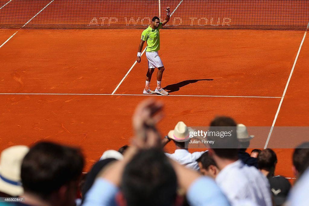 <a gi-track='captionPersonalityLinkClicked' href=/galleries/search?phrase=Jo-Wilfried+Tsonga&family=editorial&specificpeople=553803 ng-click='$event.stopPropagation()'>Jo-Wilfried Tsonga</a> of France celebrates defeating Fabio Fognini of Italy during day five of the ATP Monte Carlo Rolex Masters Tennis at Monte-Carlo Sporting Club on April 17, 2014 in Monte-Carlo, Monaco.
