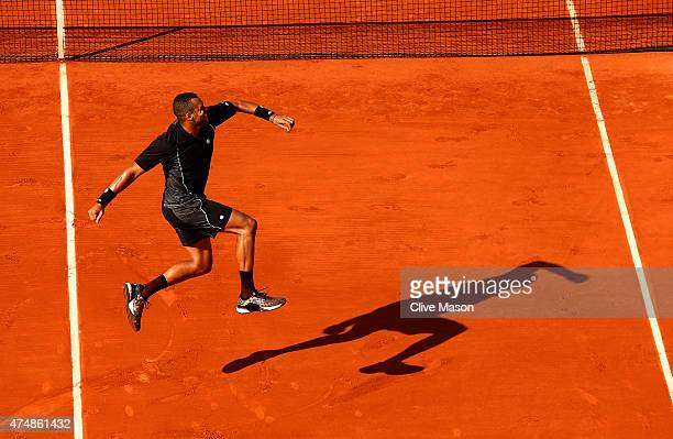 JoWilfried Tsonga of France celebrates winning his Men's Singles match against Dudi Sela of Israel during day four of the 2015 French Open at Roland...
