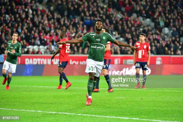 Joy for Jonathan Bamba of St Etienne as he equalises from the penalty spot during the Ligue 1 match between Lille OSC and AS SaintEtienne at Stade...