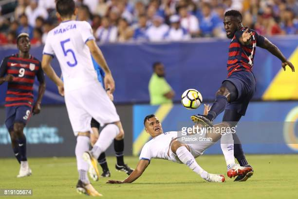 Jozy Altidore of the United States controls the ball against El Salvador in the second half during the 2017 CONCACAF Gold Cup Quarterfinal at Lincoln...