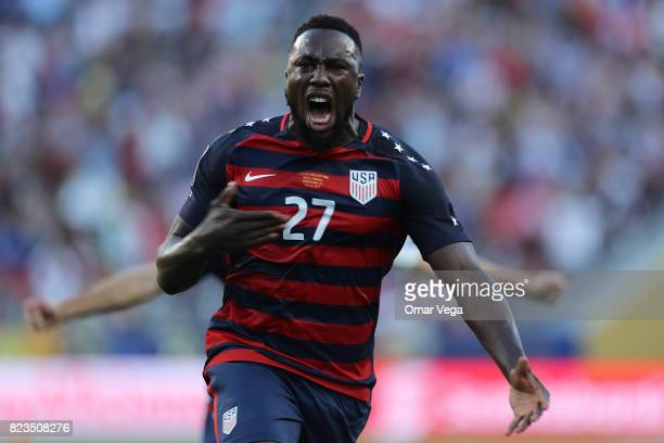 Jozy Altidore of United States celebrates after scoring the first goal of his team during the CONCACAF Gold Cup 2017 final match between United...