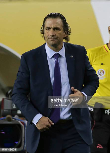 Juan Antonio Pizzi coach of Chile during a group D match between Chile and Panama at Lincoln Financial Field as part of Copa America Centenario US...