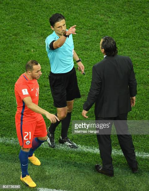 Juan Antonio Pizzi of Chile is sent to the stands by Referee Milorad Mazic during the FIFA Confederations Cup Russia 2017 Final between Chile and...